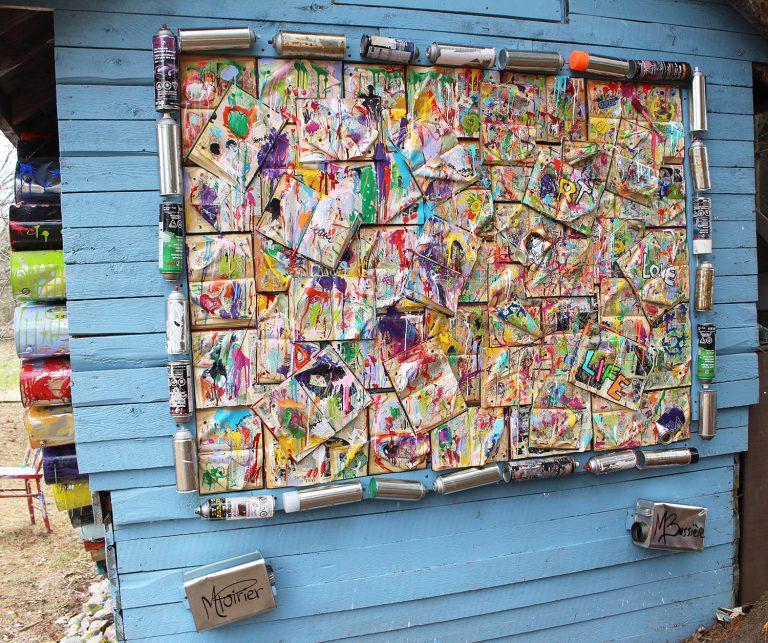 murale-histoires-sans-fins-melanie-poirier-myriam-bussiere-credit-photo-daniel-giroux-avril-2020-journee-mondiale-du-livre